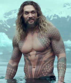 El superhéroe es interpretado por Jason Momoa